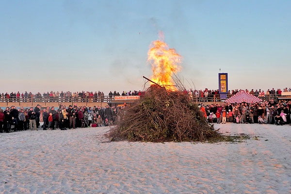 Osterfeuer in Prerow